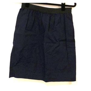 Classic dark blue skirt with pockets